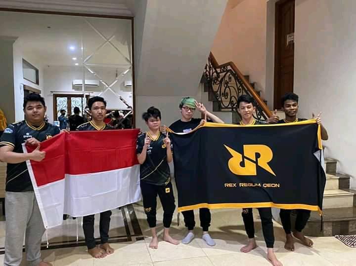 Kalahkan Tim Singapura 3 0, Rrq Hoshi Juarai Mpl Invitation 4 Nation Cup 2020!