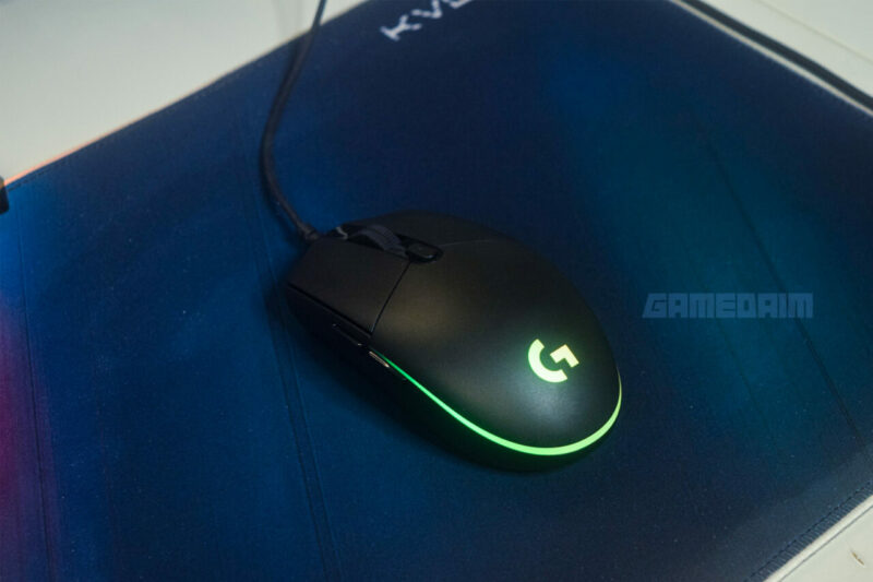 Logitech G102 Lightsync Mouse On Mousepad