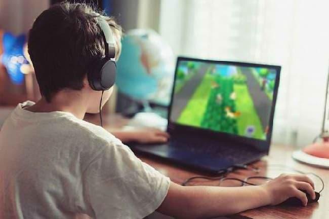 Ilustrasi Kecanduan Game Online 1
