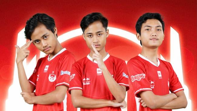 Trio Red Aliens