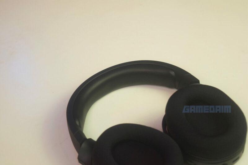 Razer Barracuda X Flatlay Headband Gamedaim Review